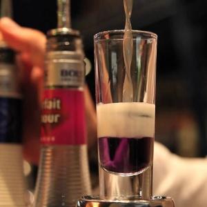 layering_mixology_experts_cocktail_μπαρ_μπαρμαν_ποτο_κοκτειλ